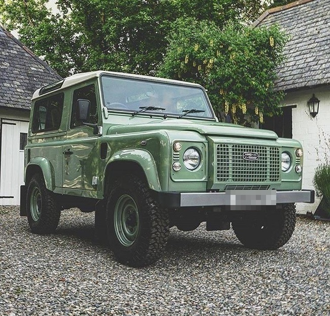 land-rover-defender-td-heritage-station-wagon-S3129364-1.jpg