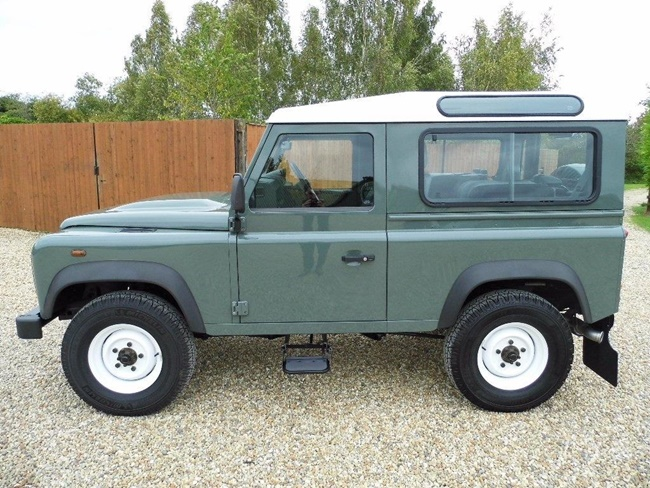 land-rover-defender-90-2-2-td-station-wagon-3dr-235453500-10.jpg