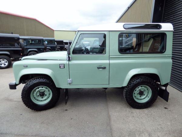 land-rover-defender-90-heritage-edition-station-wagon-plus-vat-202899338-4.jpg